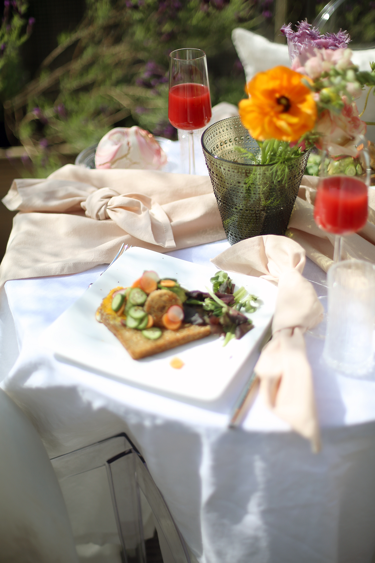 Avec Sofié blog - breakfast in the garden - Amsterdam canal house